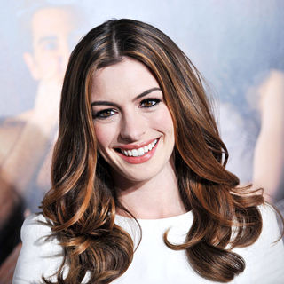 "Anne Hathaway in World Premiere of ""Love and Other Drugs"" at AFI Fest 2010 Opening Night Gala"