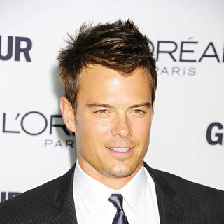 Josh Duhamel in Glamour Women of The Year Awards 2010 - Inside Arrivals