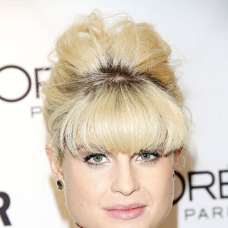 Kelly Osbourne in Glamour Women of The Year Awards 2010 - Inside Arrivals