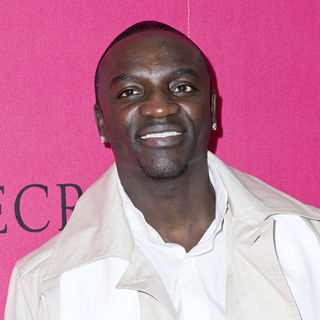Akon in 2010 Victoria's Secret Fashion Show - Arrivals