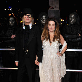 Lisa Marie Presley - World Premiere of 'Harry Potter and the Deathly Hallows: Part I' - Arrivals