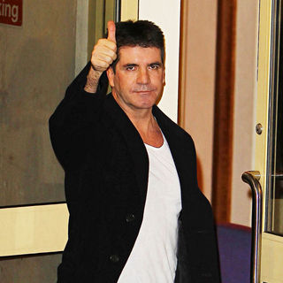 Simon Cowell - Simon Cowell Arrives at The X Factor Studios for Tonight's Live Results Show