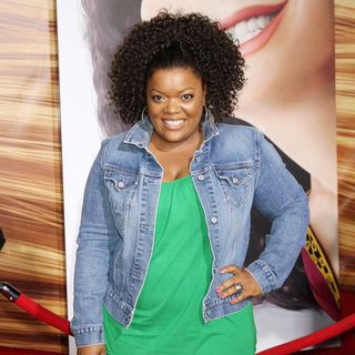 Yvette Nicole Brown in Disney's 'Tangled' Los Angeles Premiere - Arrivals