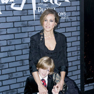 James Wilkie Broderick, Sarah Jessica Parker in The Premiere of 'Harry Potter and the Deathly Hallows: Part I'