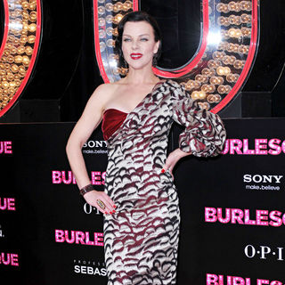"Debi Mazar in Los Angeles Premiere of ""Burlesque"" - wenn3101078"