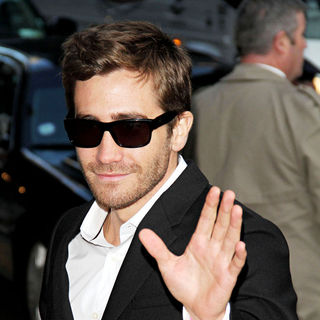 Jake Gyllenhaal - Jake Gyllenhaal at The Ed Sullivan Theatre for 'The Late Show' with David Letterman