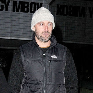Matthew Fox Wrapped Up for The Cold in A Quilted Waistcoat Jacket - wenn3110005