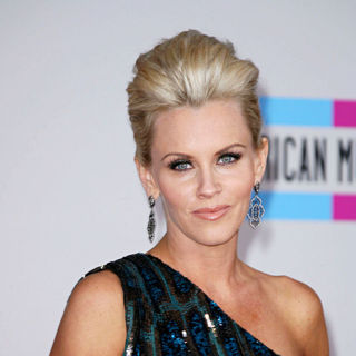 Jenny McCarthy in 2010 American Music Awards - Arrivals