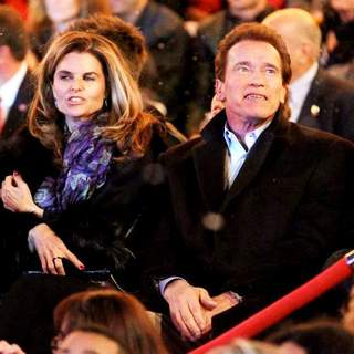 Maria Shriver, Arnold Schwarzenegger in The Annual Tree Lighting