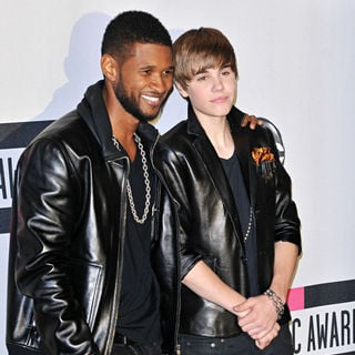 Usher, Justin Bieber in 2010 American Music Awards - Press Room