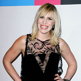 Natasha Bedingfield in 2010 American Music Awards - Press Room
