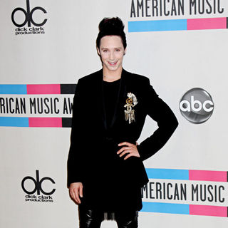 Johnny Weir in 2010 American Music Awards - Press Room