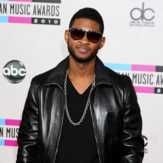 Usher in 2010 American Music Awards - Arrivals