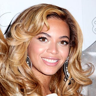 Beyonce Knowles in Beyonce Knowles Hosts The Launch of Lorraine Schwartz's '2BHAPPY' Jewelry Collection