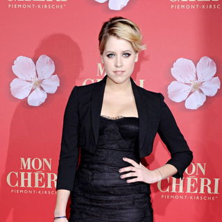 Peaches Geldof in Mon Cheri Barbara Tag 2010 Gala - Arrivals