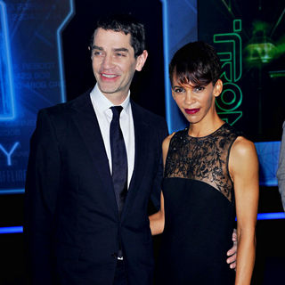 "James Frain, Marta Cunningham in Los Angeles Premiere of ""Tron Legacy"""