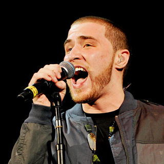 Mike Posner in The 2010 B96 Jingle Bash Show