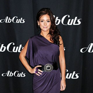JWoww in JWoww in Store Signing for Ab Cuts Natural Body Supplement by Revolution GNC