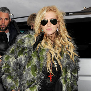 Ke$ha in Ke$ha Arriving at Heathrow Airport to Catch A Flight to Moscow