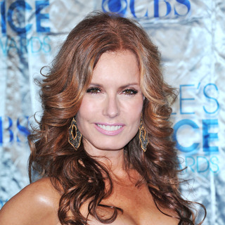 Tracey E. Bregman in 2011 People's Choice Awards - Arrivals