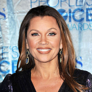 Vanessa Williams in 2011 People's Choice Awards - Arrivals