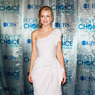 Pippa Black in 2011 People's Choice Awards - Arrivals