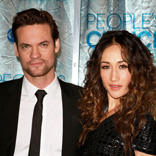 Shane West, Maggie Q in 2011 People's Choice Awards - Arrivals