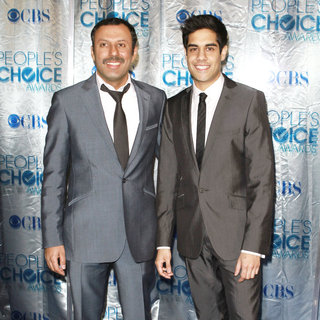 Rizwan Manji, Sacha Dhawan in 2011 People's Choice Awards - Arrivals