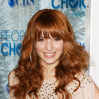 Bella Thorne in 2011 People's Choice Awards - Arrivals
