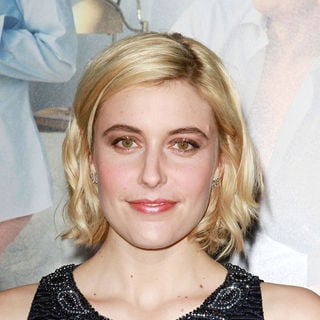 "Greta Gerwig in Los Angeles Premiere of ""No Strings Attached"""