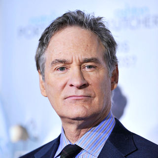 "Kevin Kline in Los Angeles Premiere of ""No Strings Attached"" - wenn3163337"