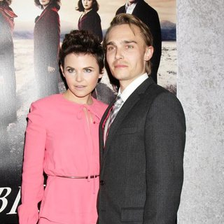 Ginnifer Goodwin, Joey Kern in Los Angeles Premiere of The HBO Original Series Big Love Season 5