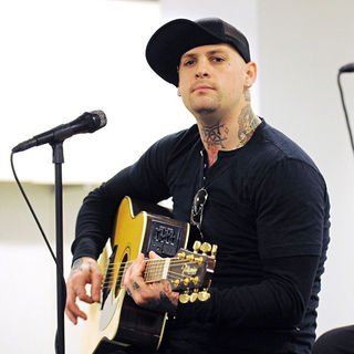 Benji Madden in Good Charlotte Performing An Acoustic Concert
