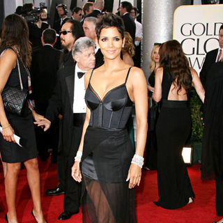 Halle Berry in 68th Annual Golden Globe Awards - Arrivals