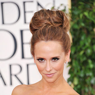 Jennifer Love Hewitt in 68th Annual Golden Globe Awards - Arrivals
