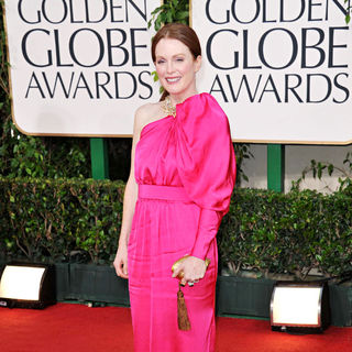Julianne Moore in 68th Annual Golden Globe Awards - Arrivals