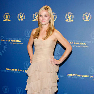 Julia Stiles in 63rd Annual DGA Awards - Press Room