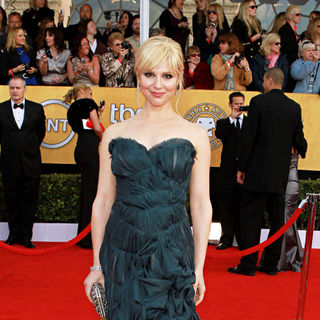 Cara Buono in The 17th Annual Screen Actors Guild Awards (SAG Awards 2011) - Arrivals