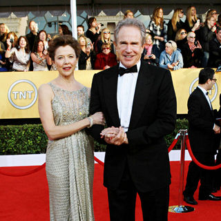 Annette Bening, Warren Beatty in The 17th Annual Screen Actors Guild Awards (SAG Awards 2011) - Arrivals