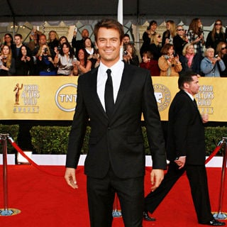 Josh Duhamel in The 17th Annual Screen Actors Guild Awards (SAG Awards 2011) - Arrivals