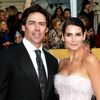 Jason Sehorn, Angie Harmon in The 17th Annual Screen Actors Guild Awards (SAG Awards 2011) - Arrivals