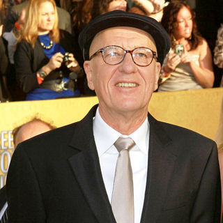 Geoffrey Rush in The 17th Annual Screen Actors Guild Awards (SAG Awards 2011) - Arrivals