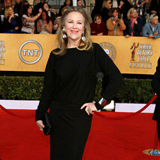 Catherine O'Hara in The 17th Annual Screen Actors Guild Awards (SAG Awards 2011) - Arrivals