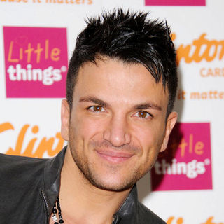 Peter Andre in Peter Andre Signs Copies of His New 2011 Calendar