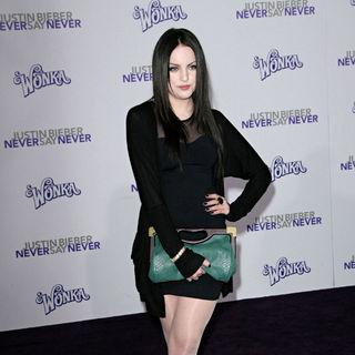 "Elizabeth Gillies in Los Angeles Premiere of ""Justin Bieber: Never Say Never"""