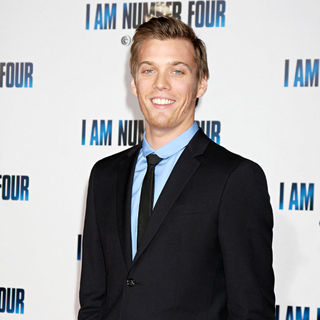 Jake Abel in Los Angeles Premiere of 'I Am Number Four' - wenn3199982