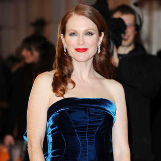 Julianne Moore in 2011 Orange British Academy Film Awards (BAFTAs) - Arrivals