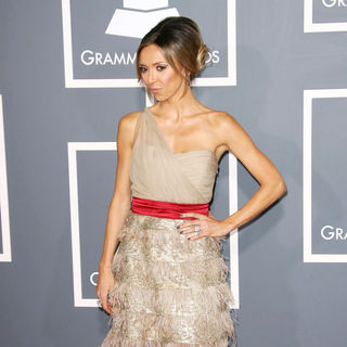 Giuliana Rancic in The 53rd Annual GRAMMY Awards - Red Carpet Arrivals
