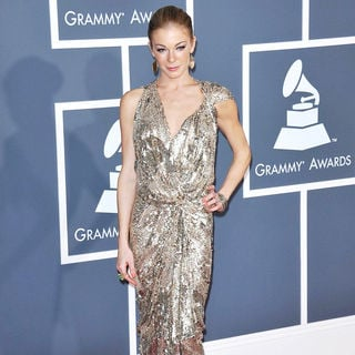 LeAnn Rimes in The 53rd Annual GRAMMY Awards - Red Carpet Arrivals
