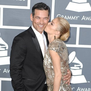 Eddie Cibrian, LeAnn Rimes in The 53rd Annual GRAMMY Awards - Red Carpet Arrivals